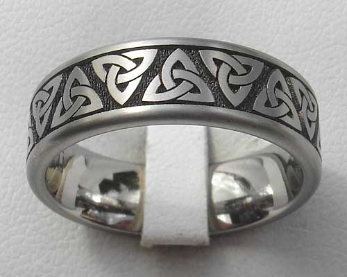 Titanium Celtic knot ring