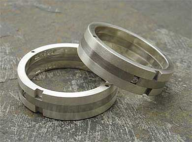 Diamond wedding rings in steel