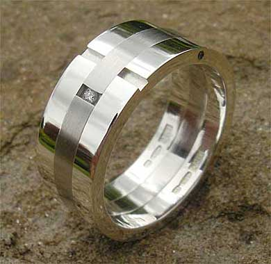 Diamond wedding ring in steel