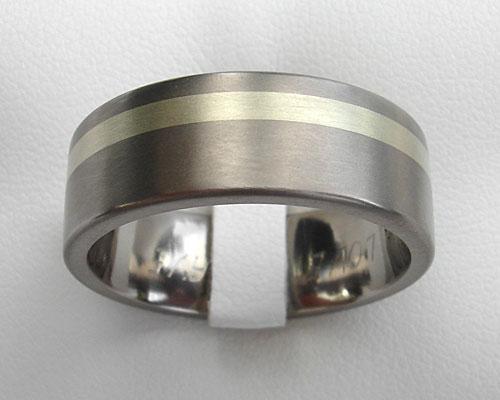 gold inlaid titanium wedding ring online in the uk