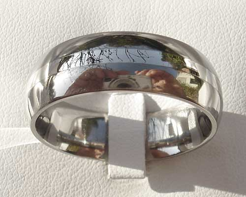 White gold inlay titanium wedding ring