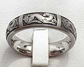 Women's Celtic titanium ring
