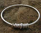 Women's contemporary silver bangle