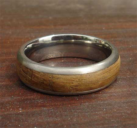 Wood inlay titanium wedding ring